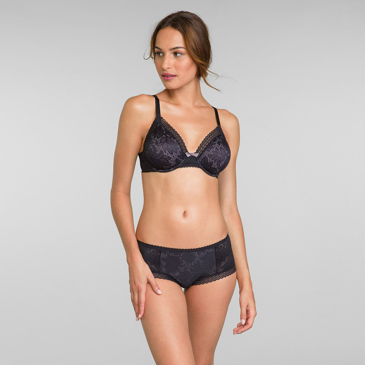 Reggiseno triangolo con ferretto nero Invisible Elegance, , PLAYTEX